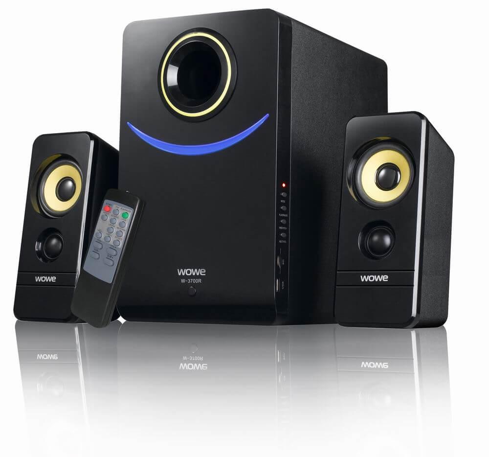 بلندگو یا اسپیکر (Speaker) یکی از واحدهای خروجی میباشد، اصوات خروجی کامپوتر توسط این قسمت ایجاد میشوند .