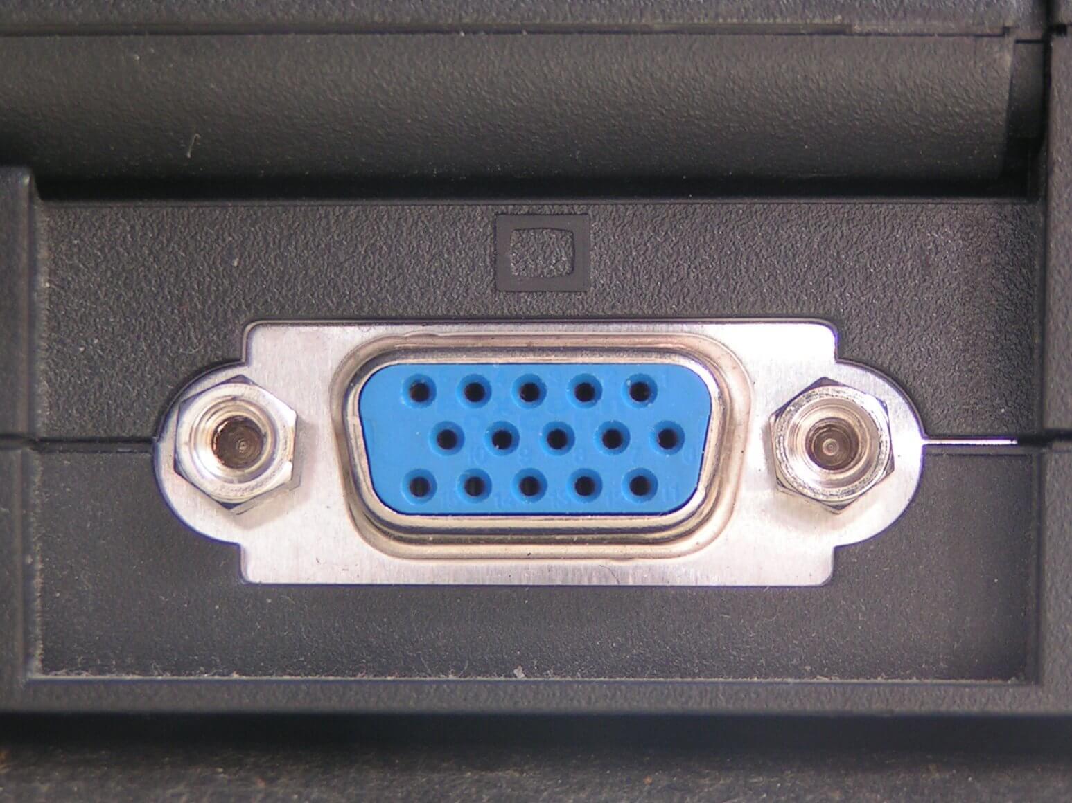 تصویری از یک درگاه VGA
