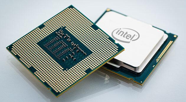 CPU یا واحد پردازنده مرکزی، میتوان این قسمت را مغز متفکر رایانه نامید، این قطعه بر روی بورد اصلی جای میگیرد .