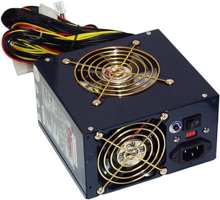 منبع تغذیه یا Power وظیفه تامین برق مورد نیاز سیستم را بر عهده دارد، این قطعه در داخل کیس قرار میگیرد .
