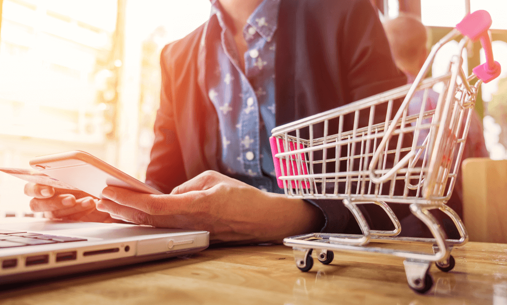 چگونه میتوانیم یک فروشگاه اینترنتی راهاندازی کنیم؟ (آموزش کامل)