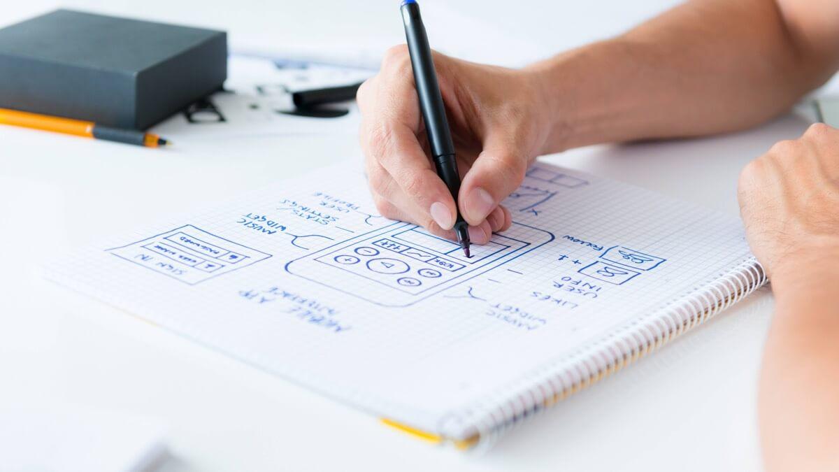 پروتوتایپ  یک نمونهی ابتدایی و مدل اولیه برای بررسی یک محصول یا فرایند است.
